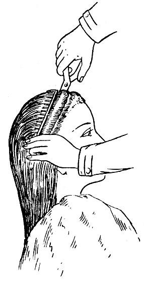 11. Прическа высокая без пробора с наклоном на лоб.